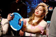 170607 Naver Starcast Dahyun Signal fansign 3