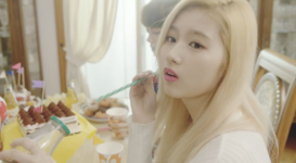 Twice Sana Cheer Up MV