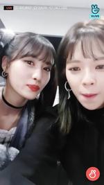 VLive 181125 JeongMo 7