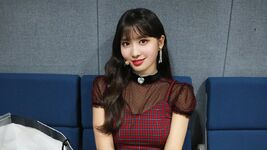 YES or YES comeback show Music-oriented & popular song making Momo