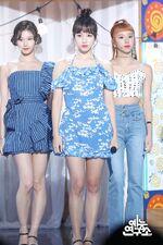 Music Core 180714 Mina 2