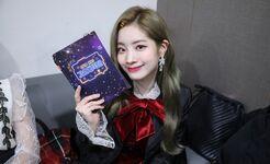 2018 KBS Song Festival Festival Behind Dahyun