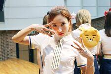 170607 Naver Starcast Nayeon Signal fansign 4