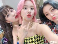 M COUNTDOWN 190425 Mina, Chaeyoung, & Jihyo