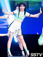 Nayeon Cheer Up showcase 7