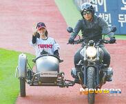 LG Baseball Game Jeongyeon 11