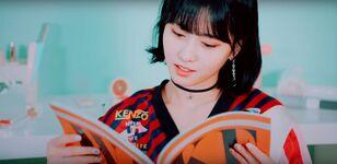 Wake Me Up MV Screenshot 27