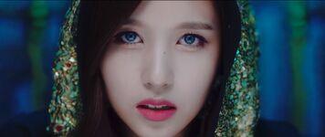 Yes Or Yes MV Screenshot 7