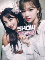 Show Champion 180718 Jihyo & Jeongyeon