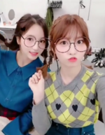 Momo and Mina IG Update 211017 4