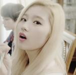 Twice Sana Cheer Up MV 2