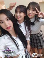M COUNTDOWN 180426 Chaeyoung, Jihyo, & Mina