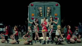TWICE Like Ooh-Ahh MV 4