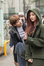 Jeongyeon staring at Tzuyu