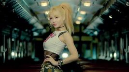 Momo Like Ooh Ahh MV 4