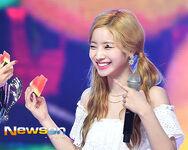 Show Champion 180718 Watermelon Dahyun 2