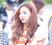 Nayeon 170526 2