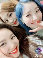 M COUNTDOWN 190425 Nayeon, Tzuyu, & Dahyun