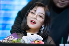 Yes Or Yes Yeouido Fansign Jihyo 14