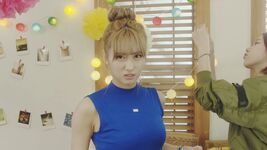 Momo Cheer Up MV 3