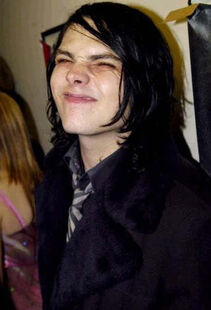 Gee-Funny-Face-my-chemical-romance-18924490-369-542