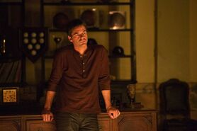 Billy-Burke-Revolution