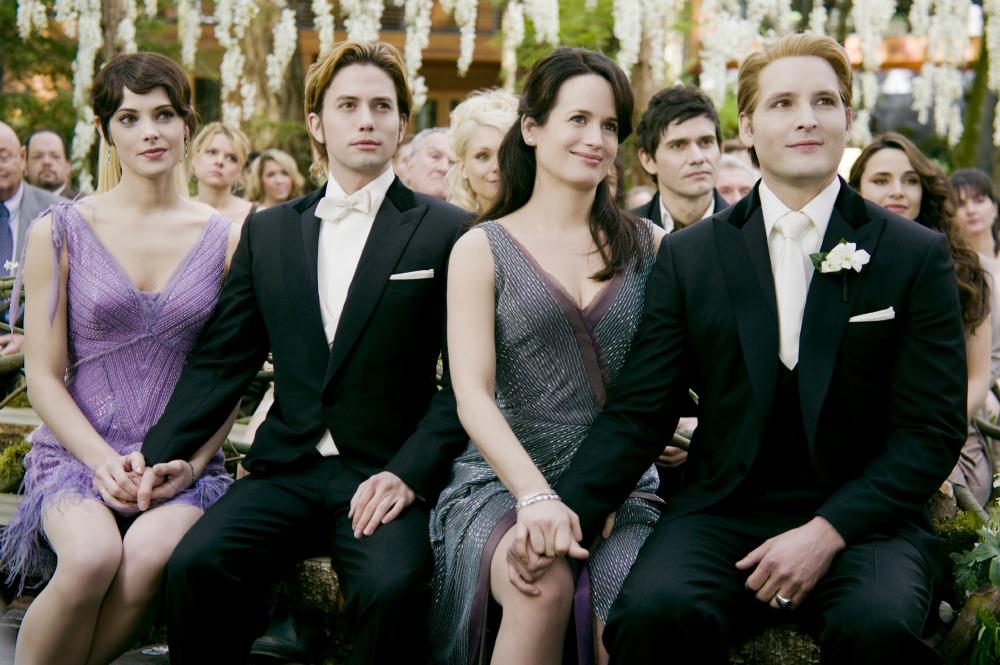 Carlisle Cullen | Twilight Saga Wiki | FANDOM powered by Wikia