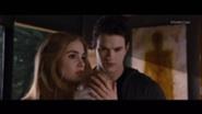 185px-Emmett-Rosalie-Renesmee
