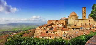 Beautiful-old-Volterra-medieval-town-of-Tuscany-Italy
