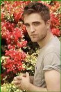 135px-Robert Pattinson 112