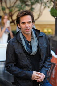 L-billy-burke-34ea31e4