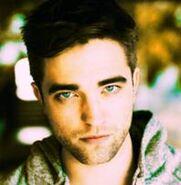 198px-Robert Pattinson 158