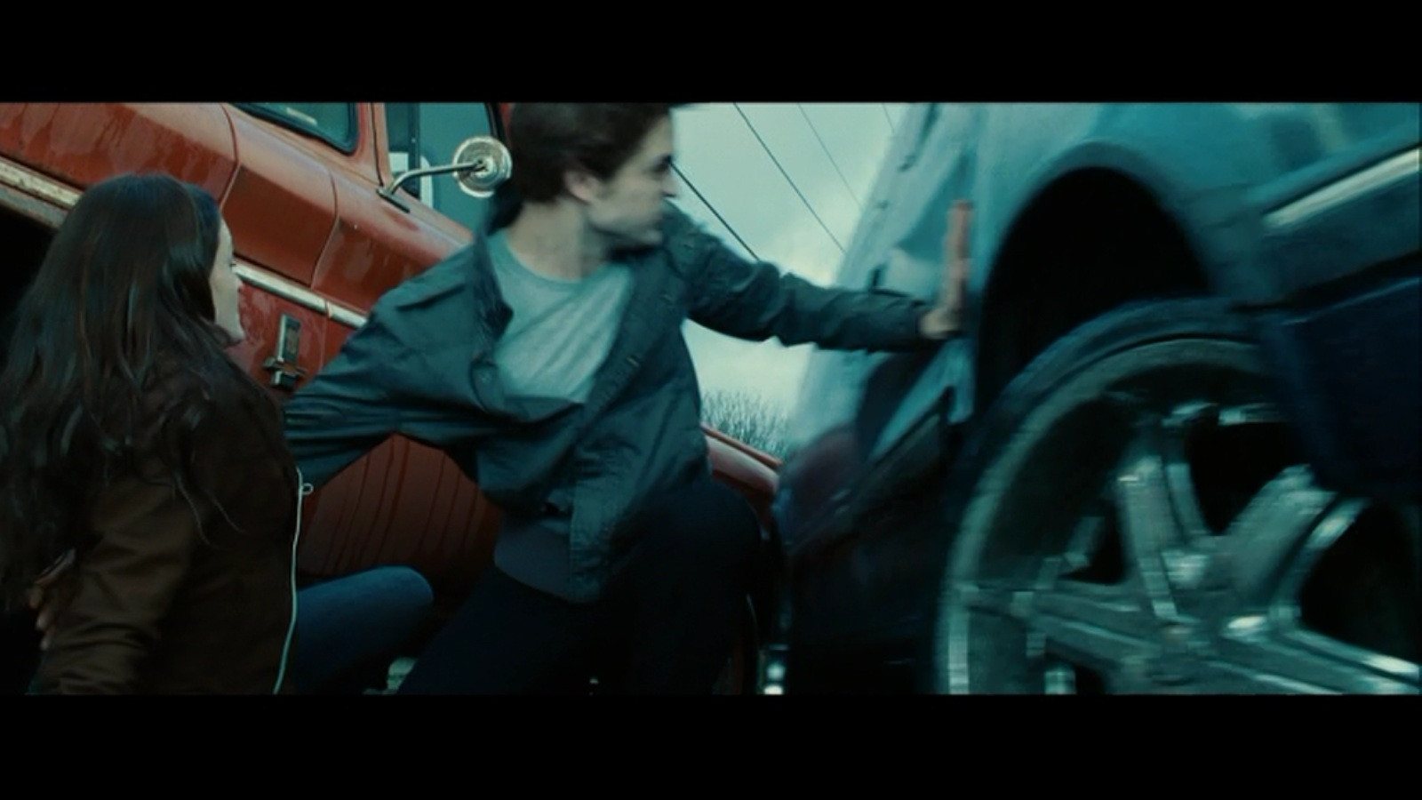 Image - Edward-stops-car.jpg | Twilight Saga Wiki | FANDOM powered ...
