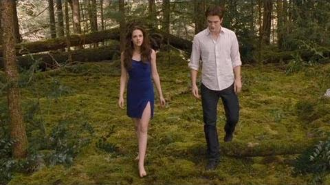 """Twilight Breaking Dawn Part 2 Clip """"Keep your distance"""""""