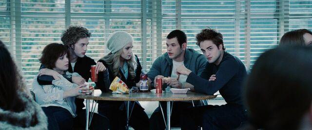 File:AJ-Twilight-movie-alice-and-jasper-23320502-1920-1080.jpg