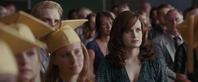 File:Esme-Carlisle-graduation-Eclipse.jpg