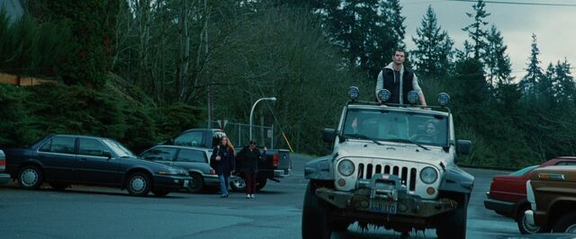 File:Jasper-hale-and-jeep-wrangler-unlimited-rubicon-28-crd-gallery.jpg