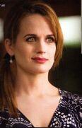 Esme-Cullen-twilight-series-25459502-698-1090