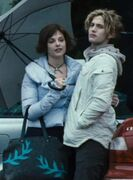 Alice-Jasper-twilight-couples-3153396-505-684