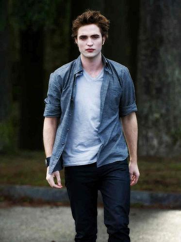 Edward Cullen New Moon.jpg