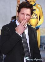 Peter-Facinelli-MTV-Movie-Awards-145x200
