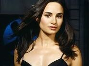 202px-ImagesCA3N9KNW-Mia Maestro