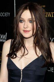 Dakota Fanning at The Twilight Saga Breaking Dawn 2-03
