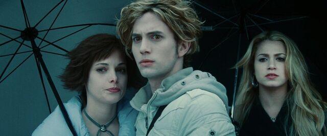 File:AJ-Twilight-movie-alice-and-jasper-23319947-1920-1080.jpg