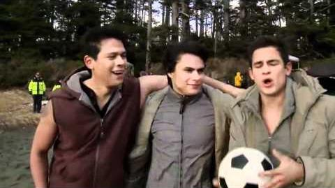 Breaking Dawn Behind The Scenes - Wolf pack featurette