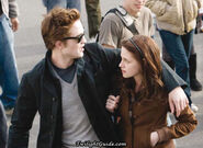 Bella-edward-crowd2