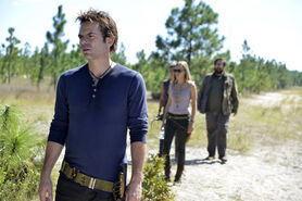 Billy-Burke-Daniella-Alonso-Zak-Orth-and-Tracy-Spiridakos-in-REVOLUTION-Episode-1.07-The-Childrens-Crusade