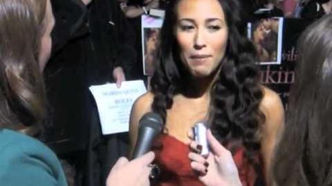 """Red Carpet Interview with """"Twilight Lexicon"""" and """"Twilight Examiner"""" at Twilight Premiere!"""