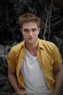 134px-Robert Pattinson 138
