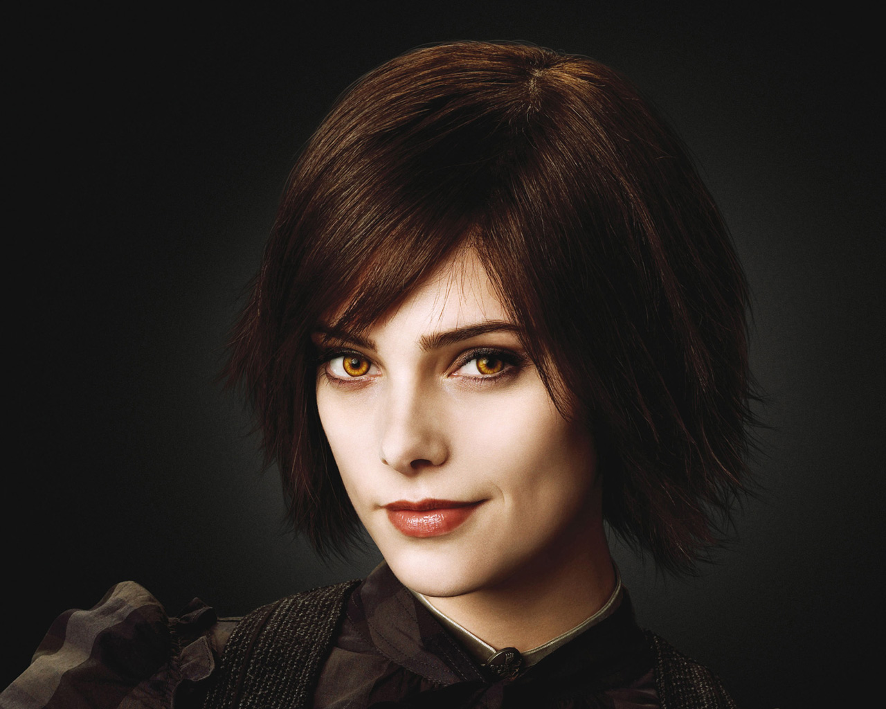 Who is alice dating in twilight